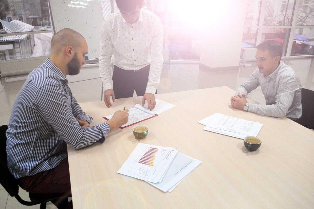 коммерческие переговоры в стиле Business Casual